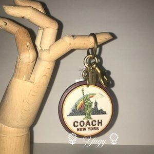 🌻 Coach 33388 New York Keychain Bag Charm 🌻